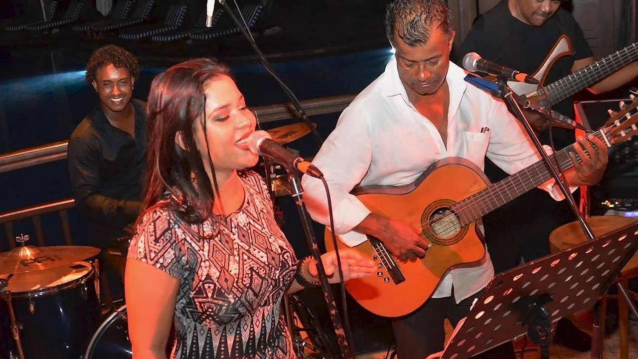 Toto Lebrasse et ses filles Fiora (photo) et Roxane partagent la même passion pour la musique.