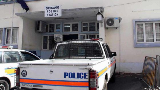 Tension à Cité Sainte-Claire, Goodlands :200 personnes s'opposent à l'arrestation de Prince par l'Adsu