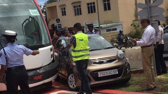 Accident entre une voiture et le Metro Express - Zaed Nanhuck :«Faut-il qu'il y ait mort d'homme pour agir ?»