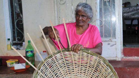 Savoir-faire d'antan : de la canne de bambous à de magnifiques paniers