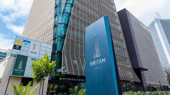 Vente des actions de Britam Kenya : la Commission recommandeune enquête criminelle contre cinq personnes, dont l'ex-ministre Bhadain