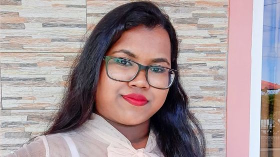 Pallavi Isha Aujayeb : à19 ans, elle enseigne gratuitement aux élèves de SC et HSC