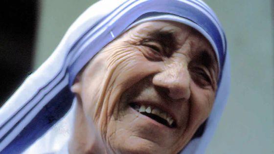 Mère Teresa, icône de la charité, sera canonisée dimanche