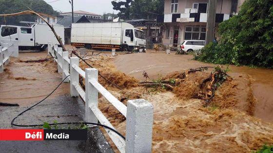 Saison pluvieuse : des collectivités locales appelées à fournir des détails sur le nettoyage des drains