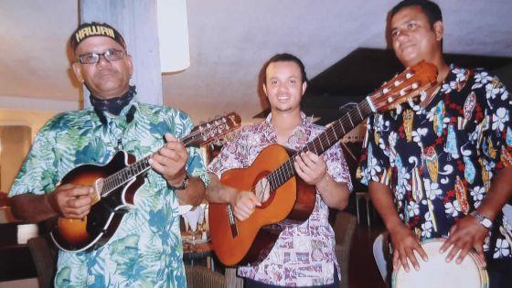 Paul Mariette a accompagné au banjo Luciano Pavarotti sur O Sole Mio