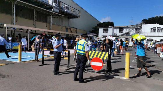 Réouverture des supermarchés : présence accrue des policiers