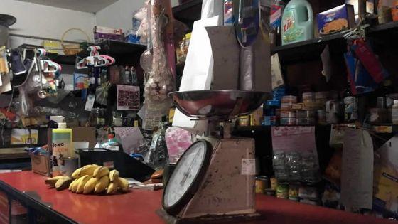 Trois-Bras : la boutiquière ne lui rembourse pas son sachet de lait