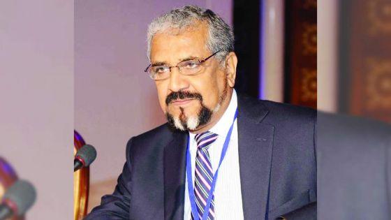 Cassam Uteem :«Certains politiciens sont rassembleurs en public et fossoyeurs en privé»