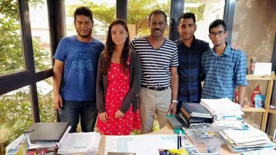 """Concept de Barlen Munusami et de quatre universitaires :""""Pran kont lor koltar"""", une campagne de vidéos sur la sécurité routière"""