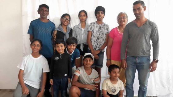 Shining Stars Cultural Group organiseun atelier de théâtre pour les débutants