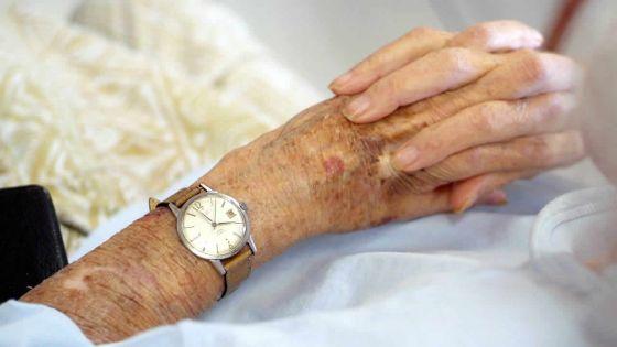 Elles vivent un calvaire : deux mères, âgées de96 et 71 ans, agressées et malmenées par leur fils