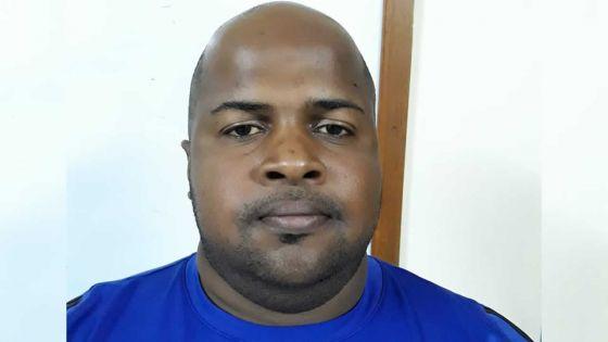 Blanchiment d'argent : le frère du suspect Didier Bot épinglé