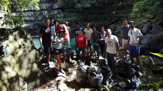 Clean Up Campaign d'Eco Youth à Eau Bleue : bravo les jeunes !