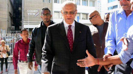 Affaire Roches-Noires : la défense réfute toute accusation d'entente délictueuse