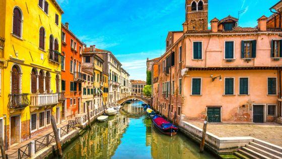 Venise est un véritable musée à ciel ouvert où règne  une atmosphère romantique et unique.