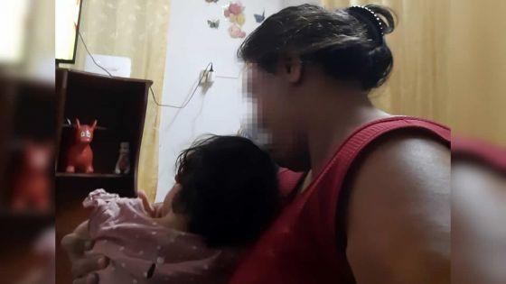 Exclus à cause d'un handicap :Vidya et sa fille trisomique de 2 ans, rejetés par leur famille
