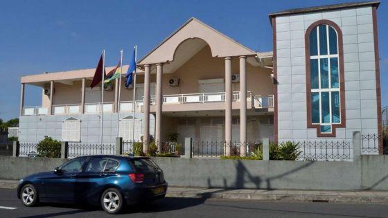 Suspendue pour négligence médicale : le Medical Council demande un renvoi pour répondre à l'affidavit de la gynécologue