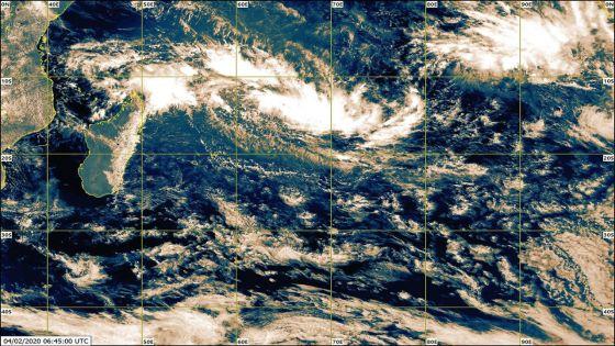 Météo : la perturbation tropicale au nord de Rodrigues pourrait s'intensifier en une tempête tropicale modérée ; des rafales de 80 km attendues