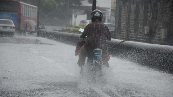 Météo : la pluie fait émerger les problèmes d'accumulation d'eau