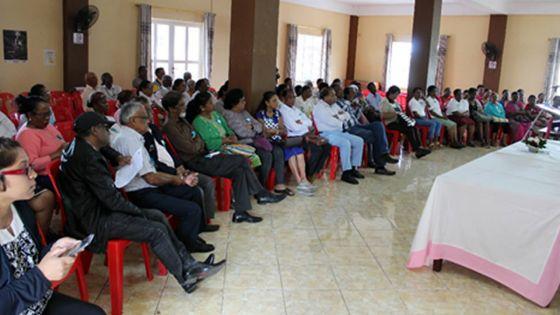 Vers une égalité pour toutes les tranches d'âge : célébrer les personnes âgées