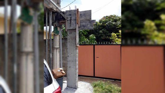 Un pylône construitpar son voisin l'incommode