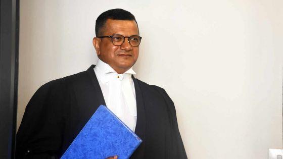 Cliff Grenade : de la comptabilité au barreau d'avocat