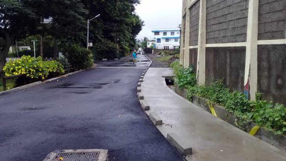 À La Louise, Quatre-Bornes : habitants et commerçants mécontents des travaux effectués par les autorités
