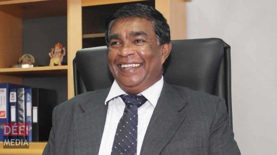 Un président en voyage :Pradeep Roopun et sa familleen pèlerinage en Inde