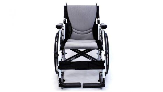 Wheelchair en rupture de stock dans nos hôpitaux : un handicapé cloué au lit trouve pénibles ses visites à l'hôpital