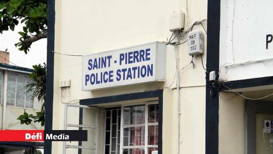 Saint-Pierre : au poste de police pour rapporter un accident, il se fait épingler pour possession de drogue