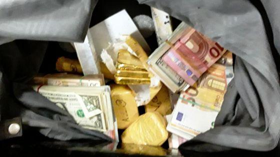 Trafic d'or et blanchiment d'argent : les passeurs auraient fourni de faux renseignements