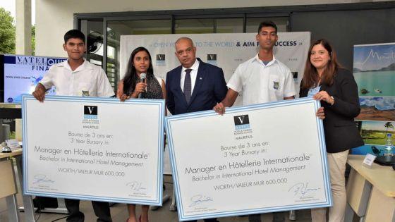 Vainqueurs du Vatel Quiz Inter-Collèges : deux élèves du Piton State College obtiennent une bourse d'études à Vatel Maurice