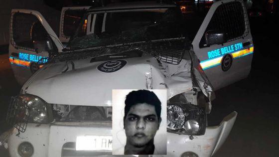 Tentative de meurtre : l'étudiant vole un van de la police et percute un sergent