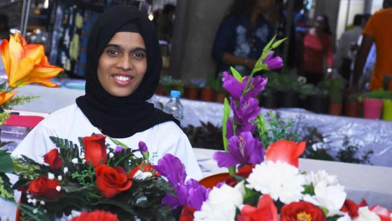 Entrepreneuriat : Les fleurs artificielles de Zainab Bhoyroo