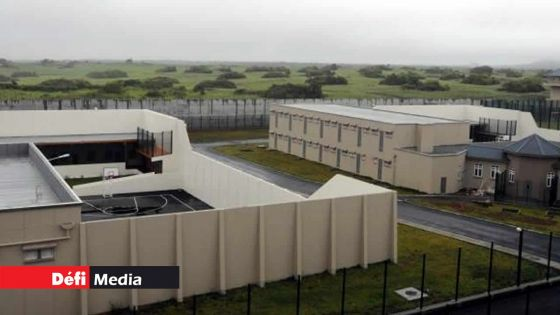 A la prison de Melrose : un prisonnier agressé par un codétenu