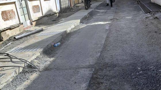 Construction de drains : la poussière liée aux travaux incommode les habitants