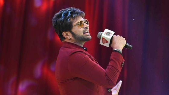 Indian Idol Saison 11 : Anu Malik remplacé par Himesh Reshammiya
