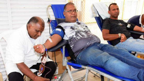 Mega Blood Donation dans les locaux du Défi Media Group - 251 pintes récoltées : la satisfaction est de mise