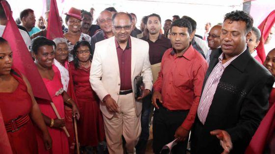 Alan Ganoo au congrès du Mouvement patriotique : «Les Mauriciens ont soif d'une nouvelle formation politique»