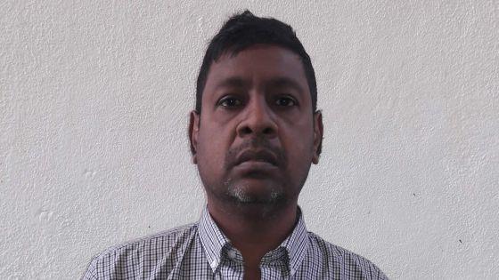 Il sollicite l'aide des Mauriciens pour une maison à louer