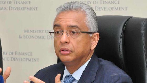 Passation de pouvoir : «Tout sera fait dans la légalité», dit Pravind Jugnauth
