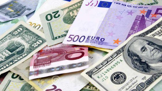Poste-de-Flacq : plus de Rs 400 000 en devises étrangères saisies audomicile d'un suspect