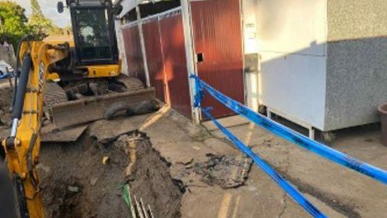 À Quatre-Bornes : bloqué chez lui à causede travaux d'infrastructures