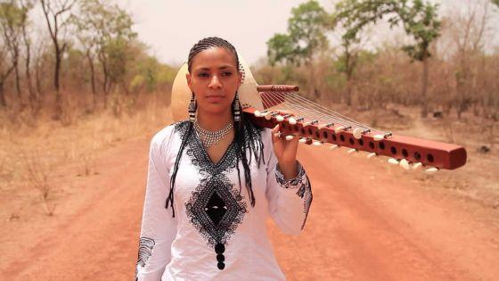 Concert : le festival Kaz'Out accueille son premier Off avec Sona Jobarteh
