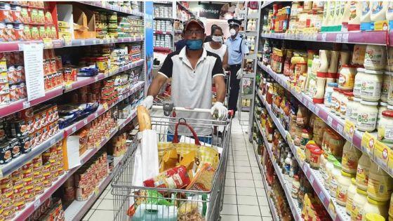 Dans les grandes surfaces : l'accalmie après le «panic buying» du week-end