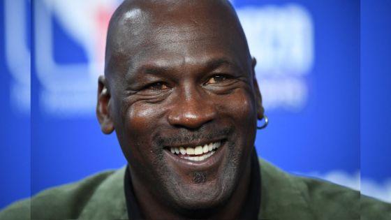Basket : un maillot de Jordan vendu aux enchères 1,38 million de dollars