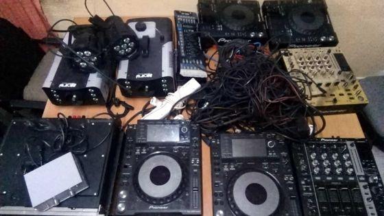 Vol valant Rs 1,2 M dans une discothèque : deux arrestationset les objets volés retrouvés