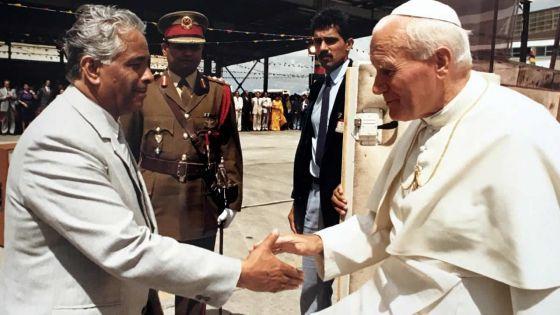 En 1989, le pape Jean Paul II à Maurice