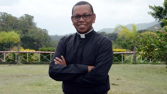 Père Jean-Claude Véder :«Il faut construiredes ponts et non des murs»