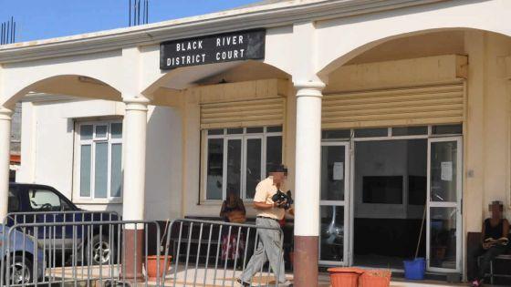 Il avait récupéré de la drogue dans l'enceinte du tribunal : un récidiviste condamné à cinq ans de prison